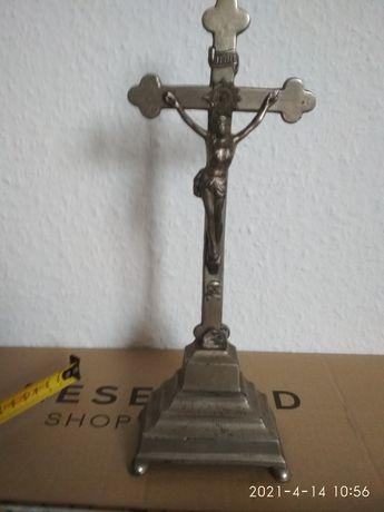 Krzyż metalowy krucyfiks