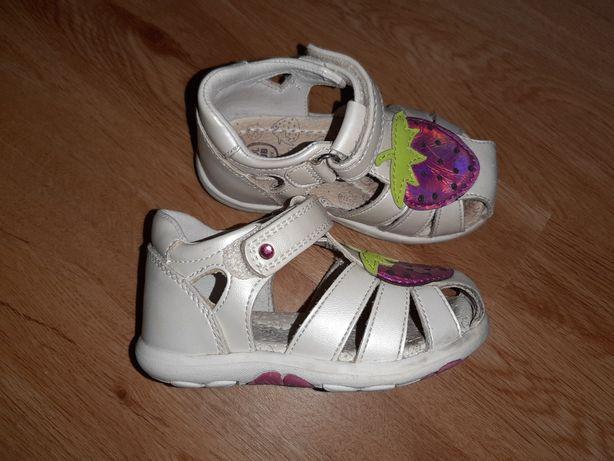 Sandałki 20 Cool Club SMYK sandały skórzana wkładka 13 cm