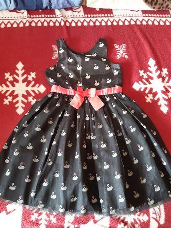 Sukienka w łabędzie  dla dziewczynki z h&m na ramiaczka r 128