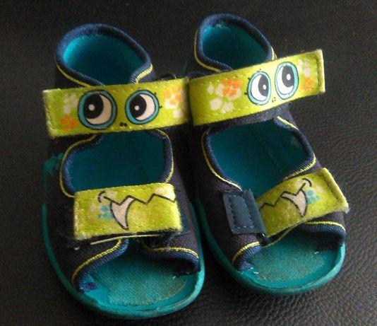 buty niemowlęce, sandałki