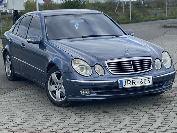 Mercedes Benz E320 w211