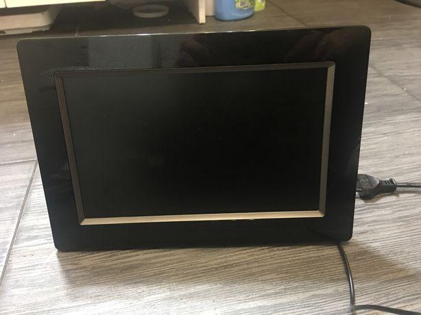 Ramka Samsung SPF-105p 10cali