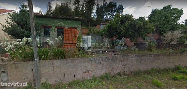 Moradia para reconstrução a 10 minutos do centro de Albergaria-a-Velha