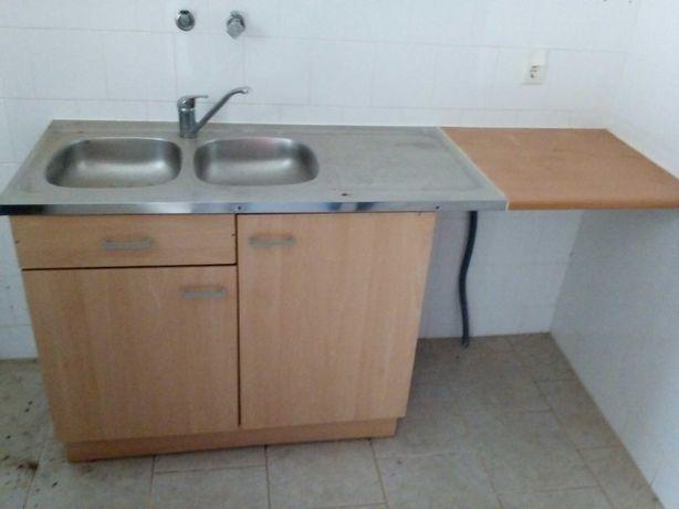 Conjunto móvel de cozinha com lava loiça em inox