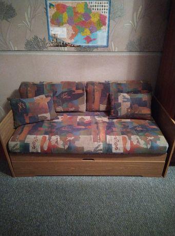 Продаю детский диван- кровать