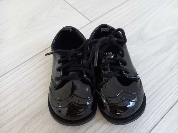 Lakierki buty butki na sesję zdjęciową H&M