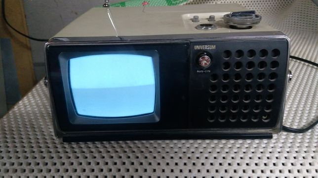 Mały telewizor, stary universum okres PRL