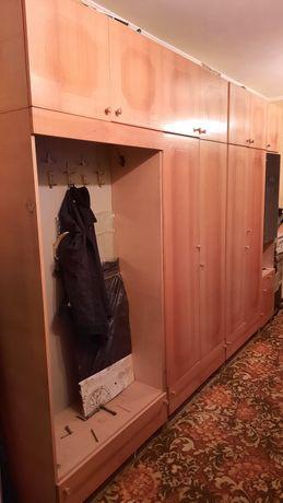 Стенка, шкаф в прихожую