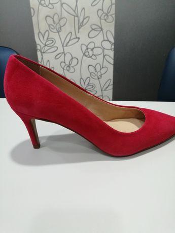 Sapatos miMao vermelho