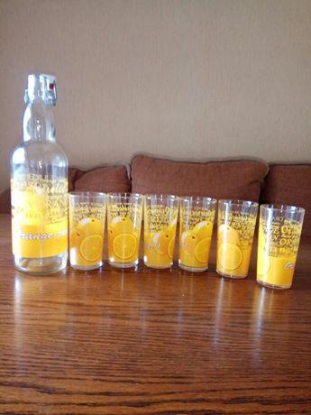 Набір стаканів з пляшкою