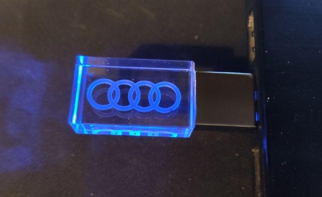 Новый USB накопитель (флешка) 4 ГБ.голубая подсветка