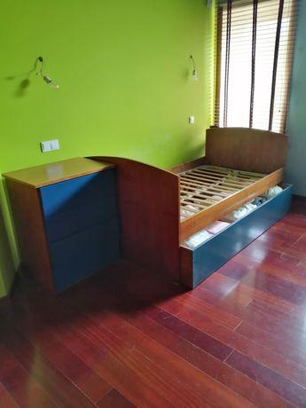 Mobilia de quarto com secretária