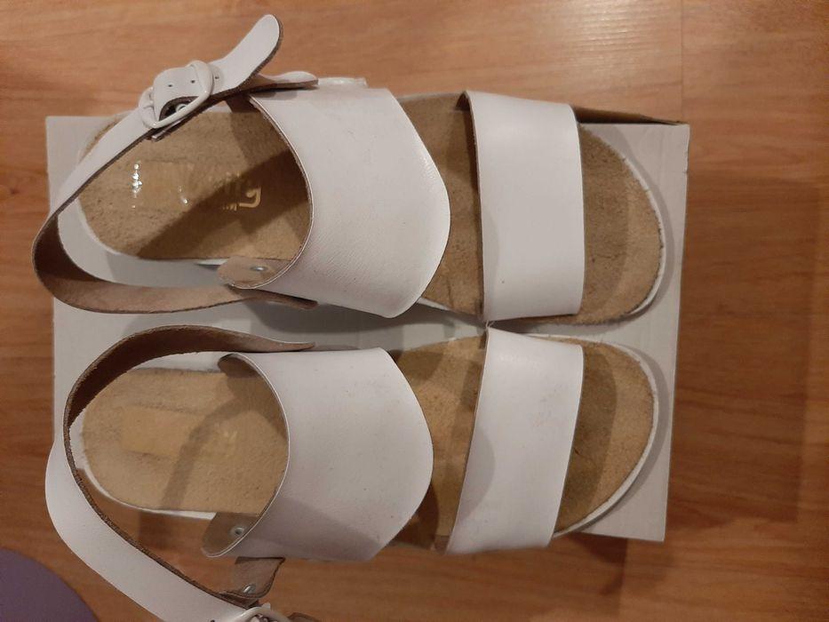Sandaly biale rozmiar 40 Świnoujście - image 1
