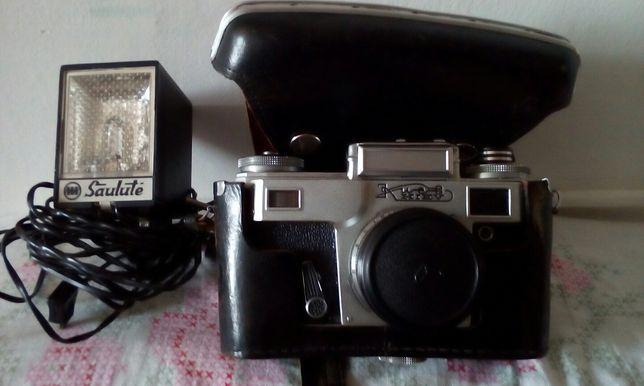 Stary aparat fotograficzny marki Kijew.