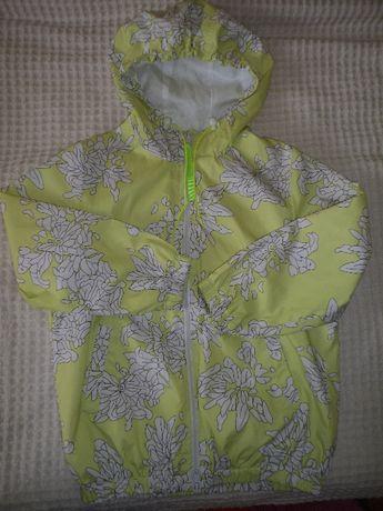 Красивая ветровка для девочки 6-7 лет, 116-122 рост, в идеале.