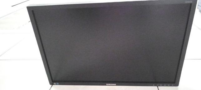 Sprzedam telewizor-monitor Samsung nowy nieuzywany