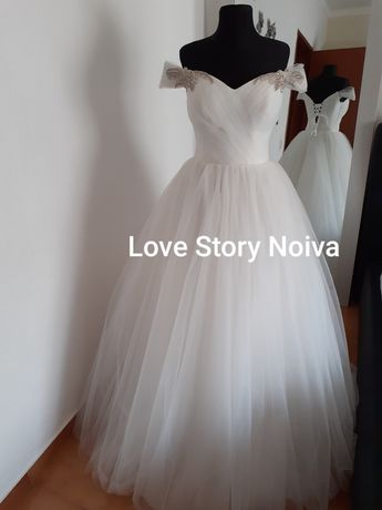 Vestido de noiva com cauda barato
