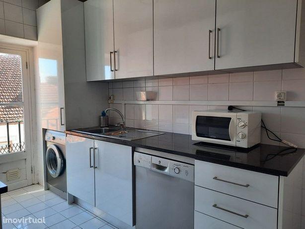 Apartamento T3 Mobilado e equipado junto ao Polo 1 (A166PL)