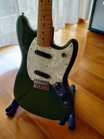 Guitarra Elétrica Fender Mustang MN Olive