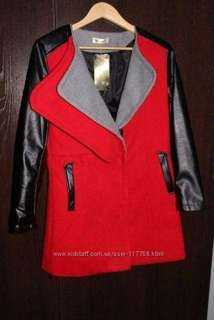 Стильное пальто с кожаными рукавами М-Л