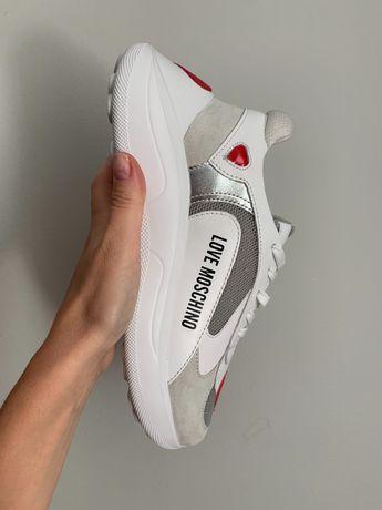 Love Moschino • новые • оригинал • обувь/кроссовки • 37 размер
