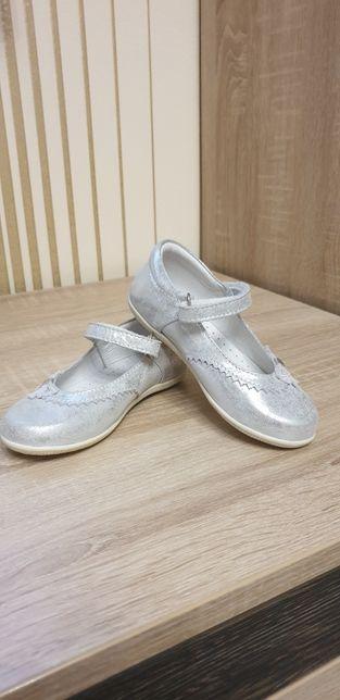 Продам шкіряні туфельки фірми Meu Amigo, розмір 25