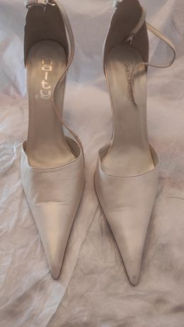 Sapatos Haity  .