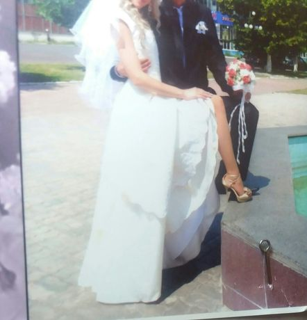 Свадебное или выпускное платье.