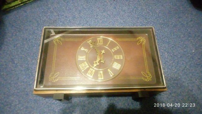 Часы МАЯК (електро-механические)