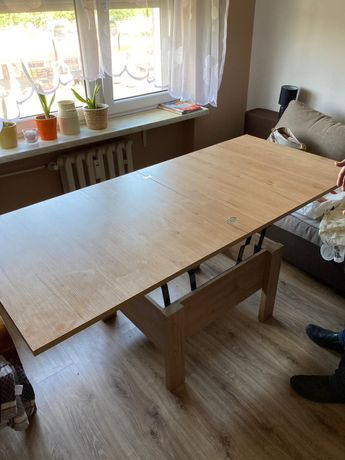 Stolik / stół.