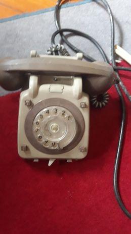 Telefone Antigo e Caixa de Campainhas