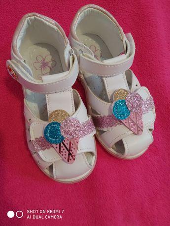 Босоніжки сандалі босоножки сандалии