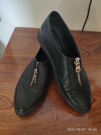 Кожаные туфли, макасины