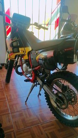 Vendo Aprilia rx 50cc ou troco por mota do meu interesse.
