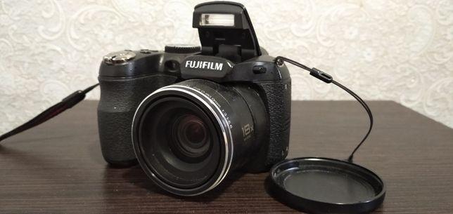 Фотоаппарат Fuji finepix s1800