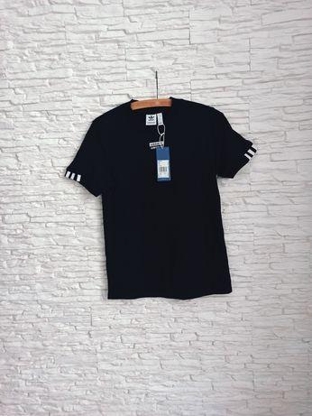 T shirt Adidas Tee XS wypada na S Damska