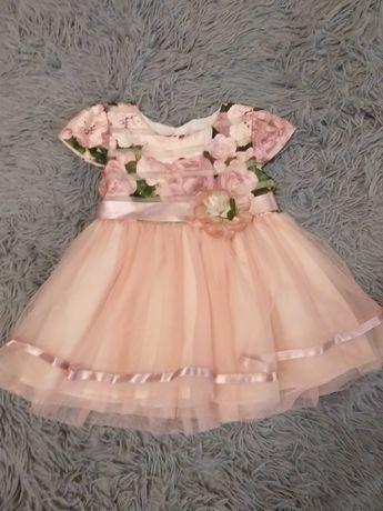 Продам нарядное платье для девочки р.92