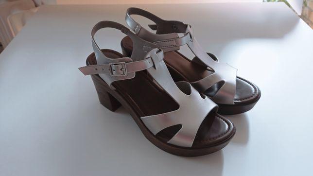Sandały koturny srebrne Inblu 38