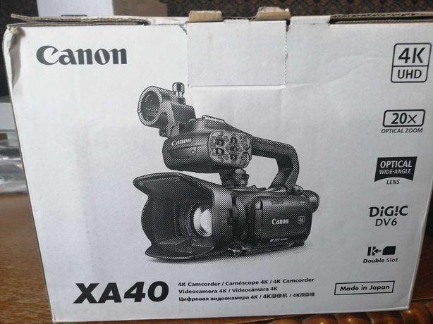 Відеокамера CANON XA 40
