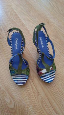 Vendo sapatos Desigual