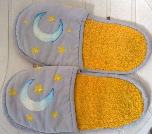 Chinelos de quarto com Lua e Estrelas - Pintados à mão