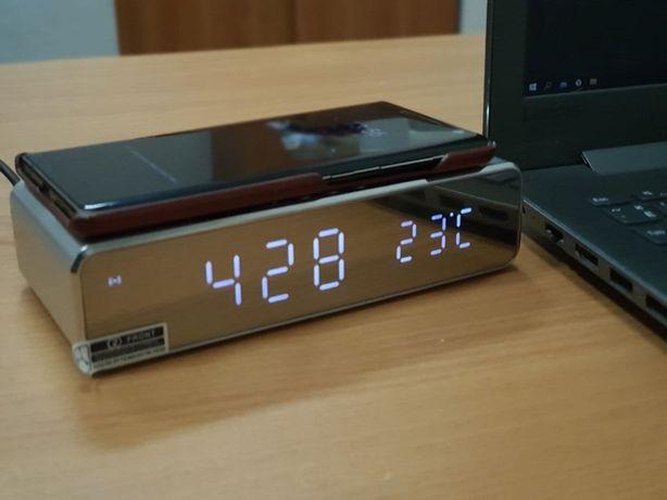 Бесплатная доставка! Беспроводная зарядка Fast 10W с часами/будильнико