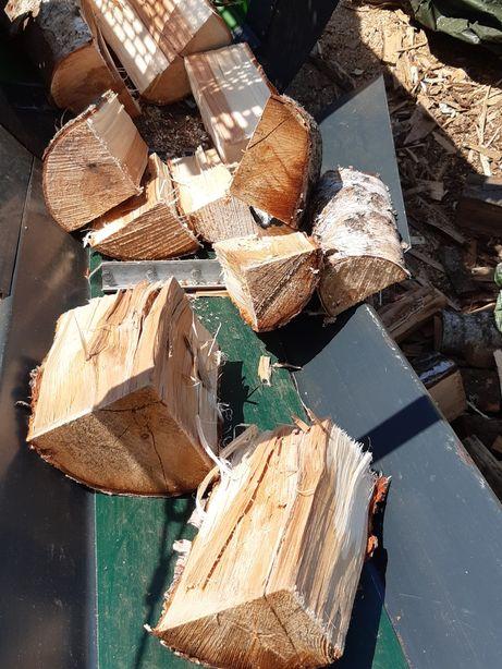 Drewno kominkowe brzoza olcha klon dąb buk wiąz sosna modrzew opałowe