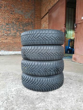 Майже нові зимові шини 185/65 R15 зимняя резина Р15