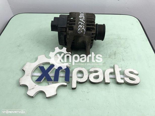 Alternador FIAT STILO (192_) 1.9 JTD   09.03 - 11.06 Usado REF. 63321826 MOTOR 9...