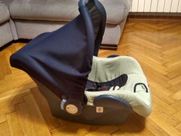 Fotelik samochodowy dla niemowlaka dziecka