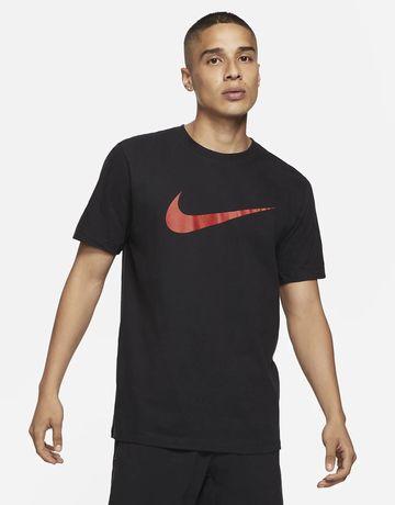 Черная футболка nike с большим принтом
