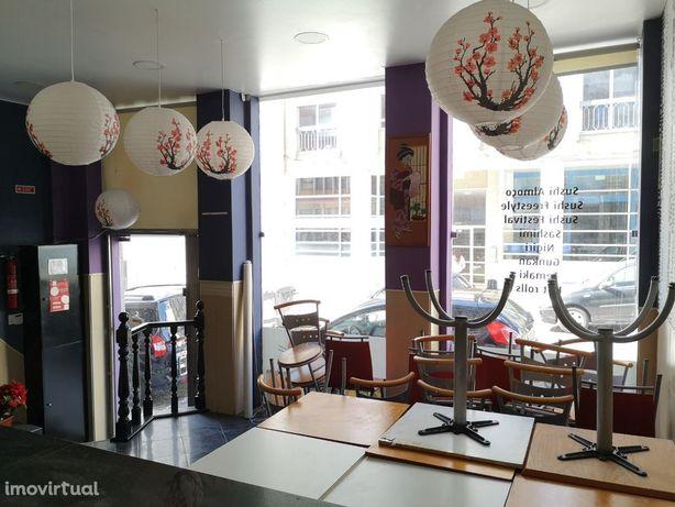 Loja p/Restauração - 70m2 - Rua Alferes Malheiro - A estação da Tri...