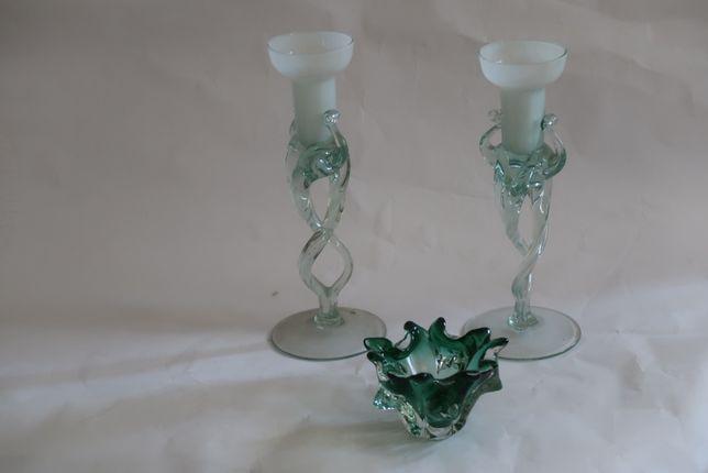 świeczniki w zielonkawym odcieniu