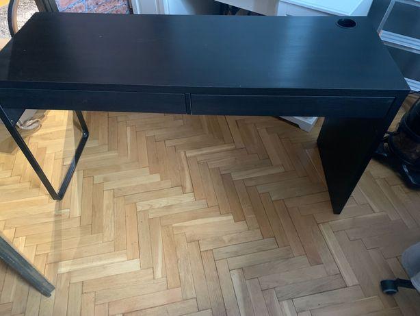czarne.    biurko